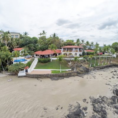 Casa de Playa. 7 bedroom beachfront house
