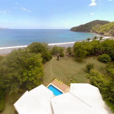 Casa Vista Verde. 4 bedroom beachfront house
